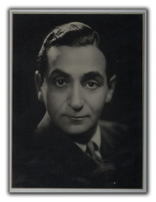 Inscribed Portait Photograph. IRVING BERLIN