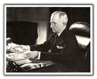 Original Photograph Inscribed by President Truman. HARRY S. TRUMAN